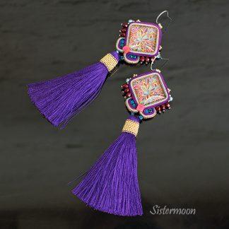 długie fioletowe kolczyki boho z chwostami