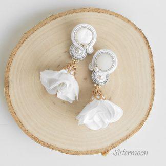białe kolczyki ślubne sutasz